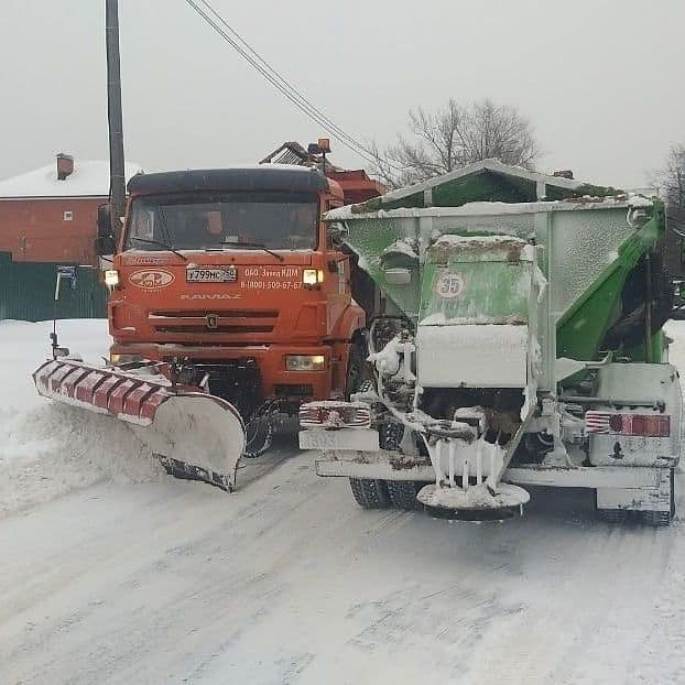 Дорожные службы ликвидируют последствия снегопада в Электростали