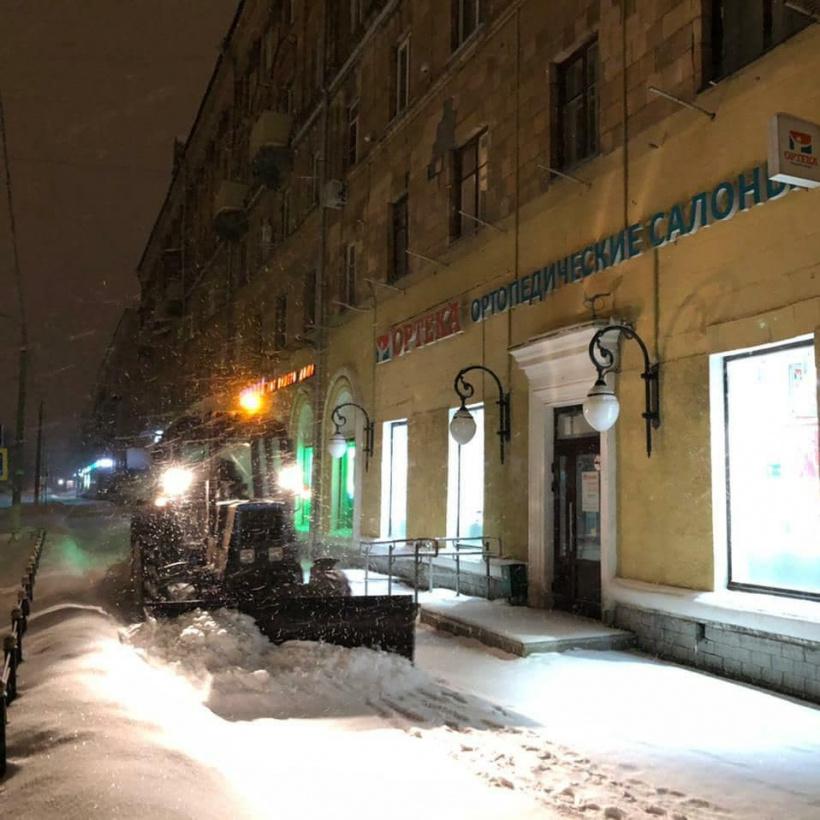 В Электростали за ночь расчистили от снега 228 000 кв.м. территорий